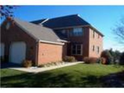 Woods Edge Townhomes 05wo - Two BR w/Loft Two BA Townhouse end
