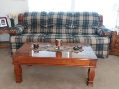 7' couch and coffee table