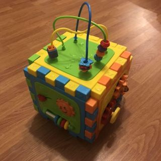 Playgo activity cube play station play center lego