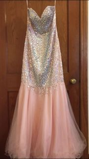 Proms dress size 4/6 worn once asking $100