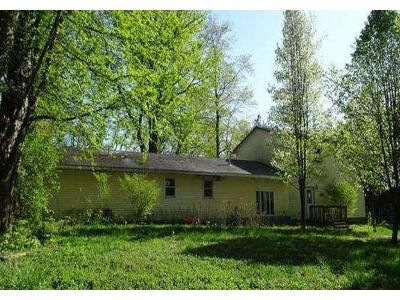 3 Bed 2 Bath Foreclosure Property in Dowagiac, MI 49047 - Dr