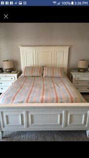 ISO QUEEN WHITE BED FRAME