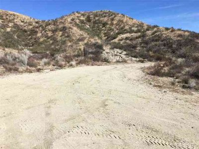 0 Rolling Hills Avenue Canyon Country, 6 acres of prime land