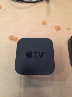 Apple TV (3rd Generation) w/ Remote RTR# 8063294-26-28