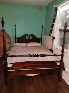 Vintage Mahogany 4 Poster Bed