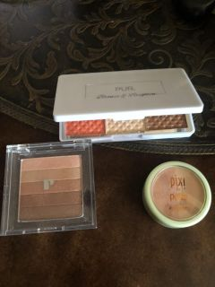 Highlighters & Bronzers & Blush