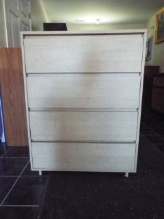 Chest of Drawers*4 drawers*Great Cond*Metal Slide