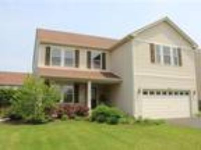 Bright & Open Floor Plan in This Over 2900 Sq Ft Home!