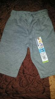 NWT baby boys 0/3month soft grey pants (too cute!)