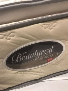 Simmons Pillowtop BeautyRest Queen size bed all inclusive!!!!