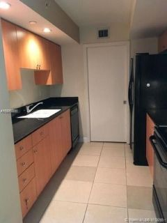 Miami Beach: 1/1.5 Direct ocean view apartment (Collins Ave.., 33141)