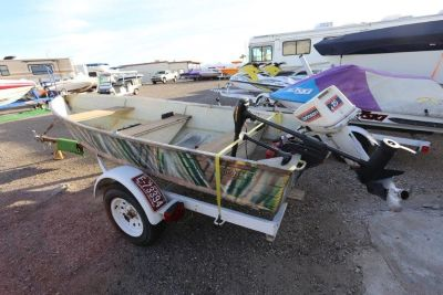 1970 Starcraft 12 aluminum fisher boat
