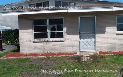 1 Bedroom, 1 Bath Cottage, Screened in Patio, W/D, Water, Lawncare
