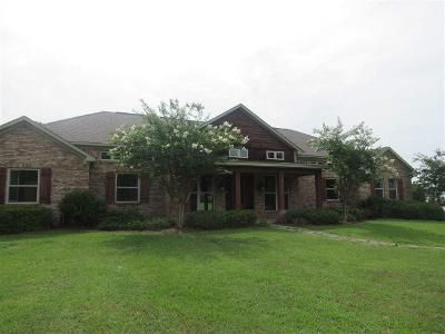 4 Bed 3.5 Bath Foreclosure Property in Canton, MS 39046 - Fox Ln