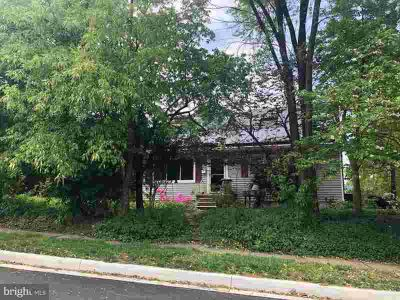 5520 Heatherwood Rd BALTIMORE Three BR, Kitchen cabinets and