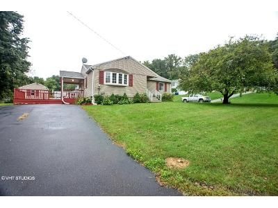 2 Bed 1.5 Bath Foreclosure Property in West Springfield, MA 01089 - Massasoit Ave