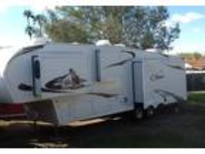 2011 Keystone RV Cougar 5th Wheel in Tempe, AZ