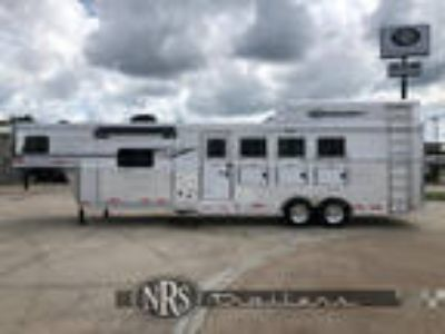 4 Horse Side Load 11 Living Quarters Trailer with Slide OutSMC
