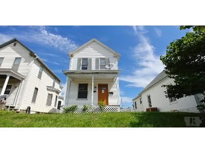 2 Bed 2 Bath Foreclosure Property in Burlington, IA 52601 - Oak St