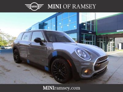 2019 MINI Clubman Cooper S (Moonwalk Gray Metallic)