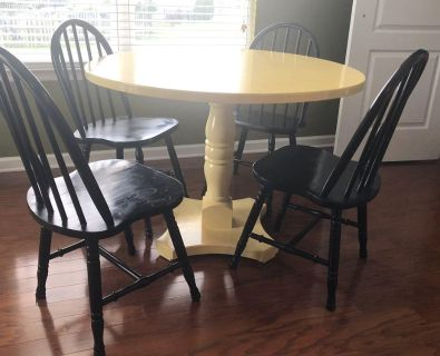 Kitchen dining table round & 4 chairs yellow