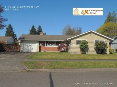 One story home for rent in Enumclaw.