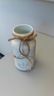 ANTIQUED COUNTRY WHITE 1/2 GALLON MASON JAR