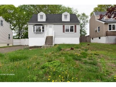 3 Bed 2 Bath Foreclosure Property in New Haven, CT 06513 - Highland Ave