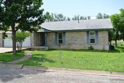 703 Bow Lane KERRVILLE Three BR, Very clean 3/2 with 2 car