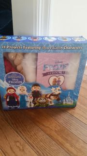 Frozen kit to knit all figures shown