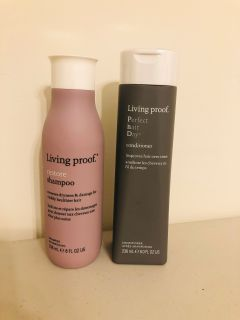 Living Proof Shampoo and Conditioner Set