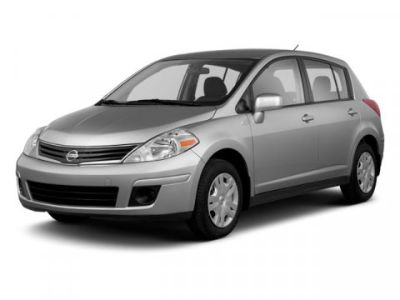 2011 Nissan Versa 1.8 SL (Arctic Blue Metallic)