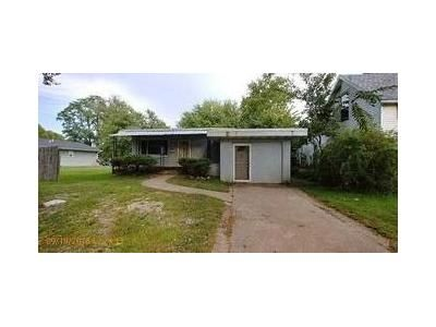 2 Bed 1 Bath Foreclosure Property in Burlington, IA 52601 - S 6th St