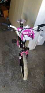 "Hello Kitty 18"" Girl Bike with training wheels"