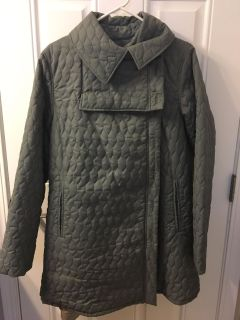 Ergo baby papoose winter coat- like new condition- not made anymore, bought for $160. Size M