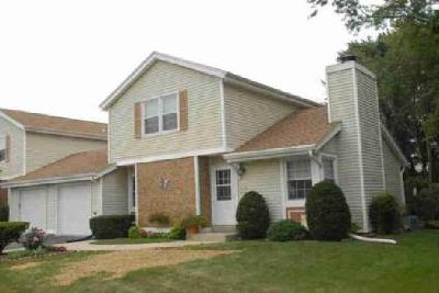 W180S8238 Pioneer Dr Muskego Three BR, This charming condo has