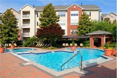 2 bedrooms Apartment - Situated in the Druid Hills community of Atlanta. Washer/Dryer Hookups!