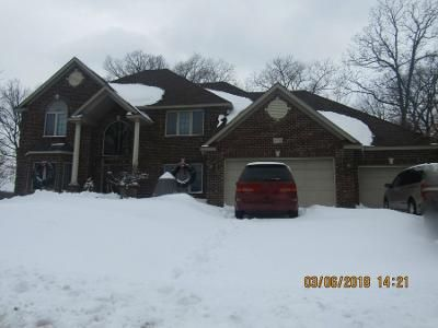 5 Bed 4 Bath Preforeclosure Property in Savage, MN 55378 - Aquila Ave