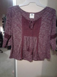 Super cute maroon top fits great super light weight stretchy material ADORABLE on!! Size XL $3