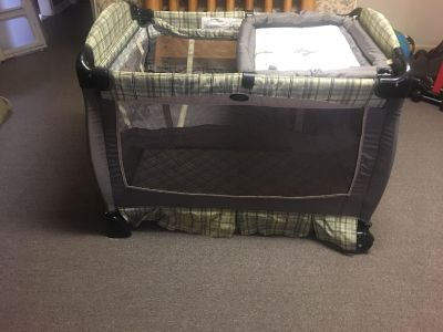 Evenflo daybed/bassinet/changing table all in one.