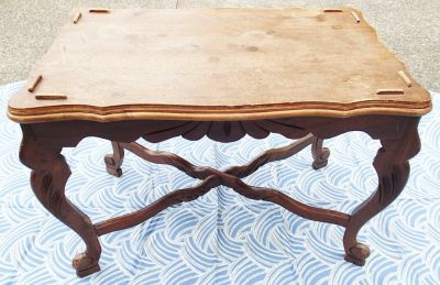 ANTIQUE SOLID WOOD END TABLE, NICE DETAILS