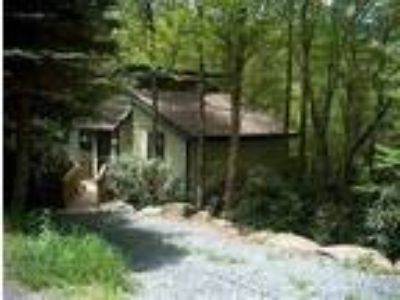 C-330 Waterfall Cottage - House