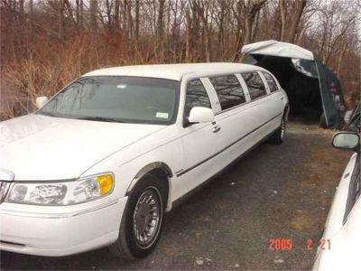 1999 Lincoln Limousine