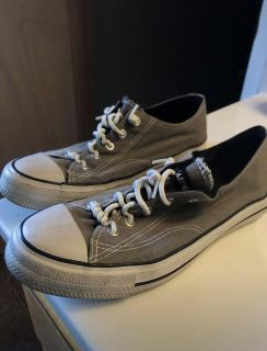 Airwalk grey canvas sneakers ( 5.5 in youth but also fit women s 7-7.5 ) in great shape!