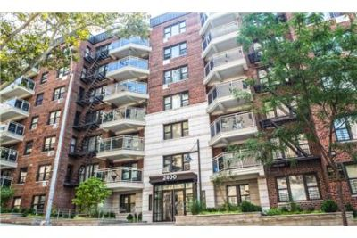 No Fee 3 beds/ 2baths/ Balcony- $2,450/month