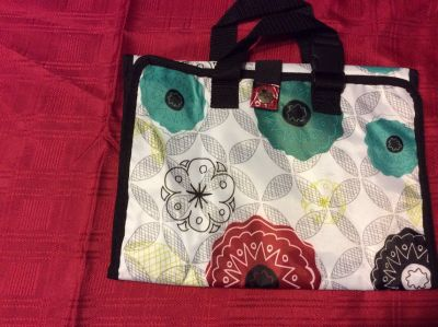 Thirty One fold up cosmetic travel bag