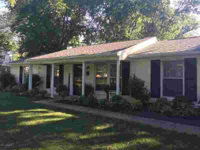 2504 Colonel Dr LOUISVILLE Three BR, Fantastic NEW LISTING in