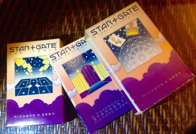 Star+Gate: A Tool for Intuition Cards, Book & Layout Mat