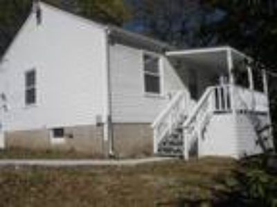Two BR, One BA, 729 sqft single family house in Lawrence