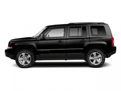 2011 Jeep Patriot Latitude (Brilliant Black Crystal Pearl)
